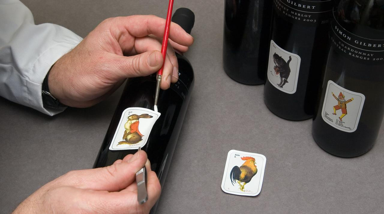 Removing a wine label