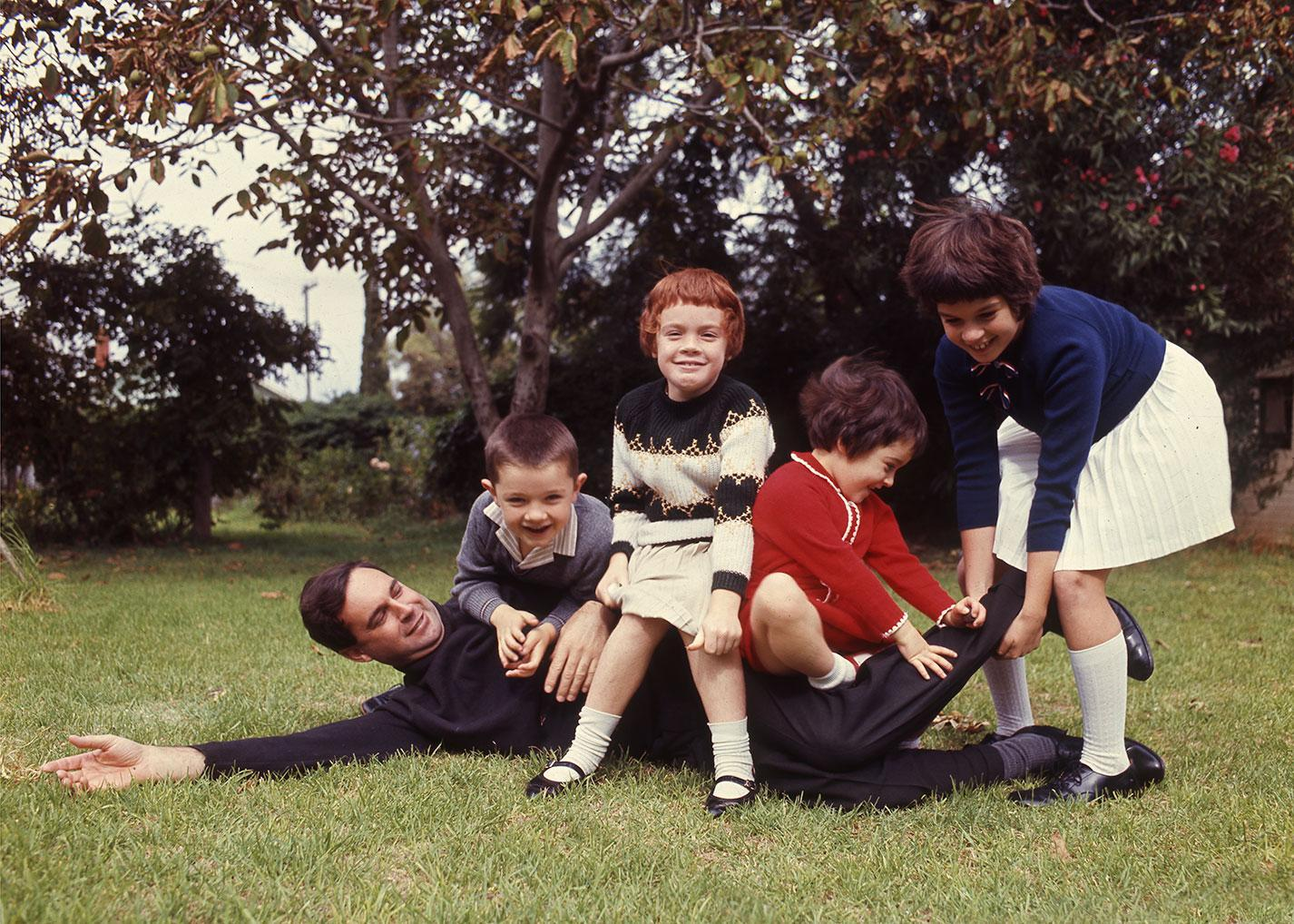South Australian Premier, Steele Hall with his children, April 1968 [PRG 1662/5/27]