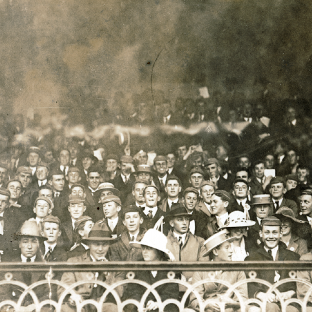 Cricket crowd at the Adelaide Oval 9121 [PRG280/1/21/155]